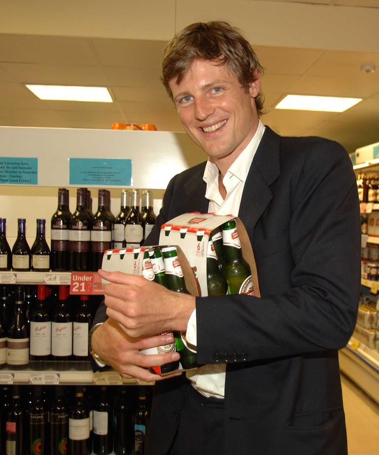 Zac Goldsmith buys beer at Tesco's Kings Road (2006)
