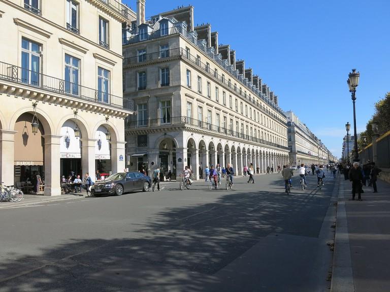 Rue de Rivoli, Paris sans voiture 2015 │© Tangopaso / Wikimedia Commons