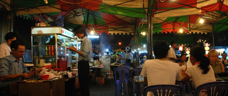 Street food market in Ho Chi Minh City | © William Cho / Flickr