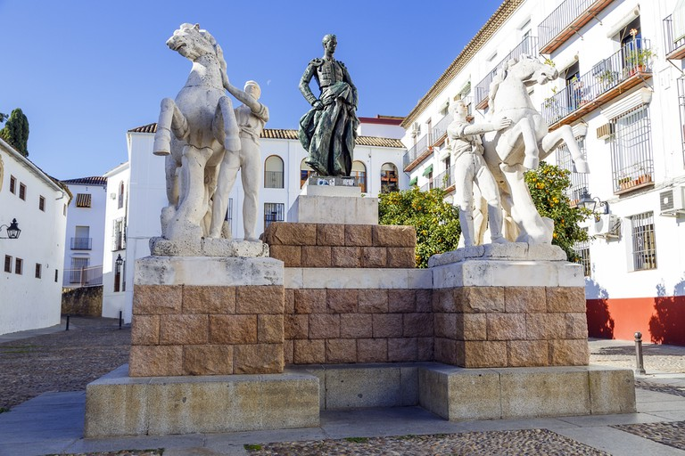 Statue of the bullfighter Manolete in Córdoba's old town I