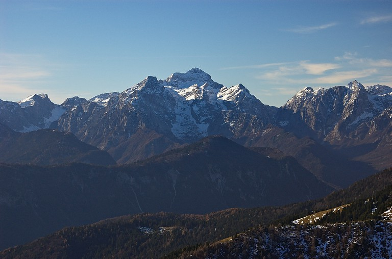 Triglav and the surrounding mountains│