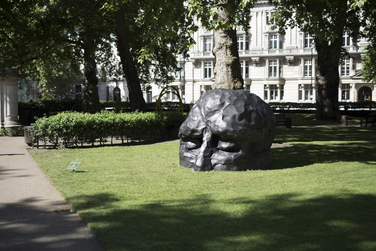 David Breuer-Weil's Visitor installed in Cavendish Square