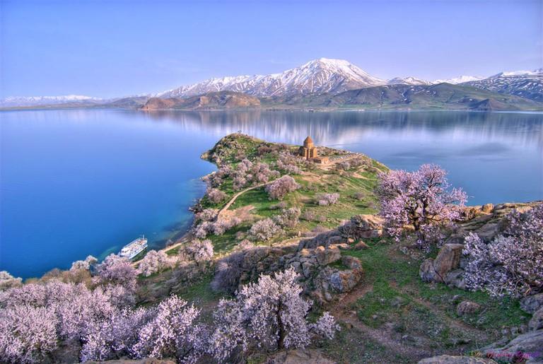Aktamar Island