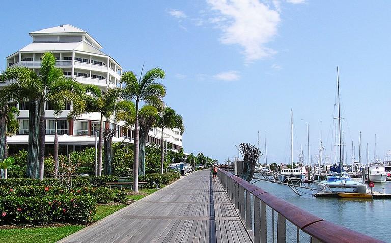 Cairns Esplanade – Pier (Shangrila Hotel)