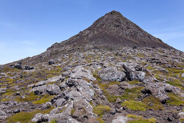 The views from the peak at Pico are beyond worth the climb | © Unukorno / Wikimedia Commons