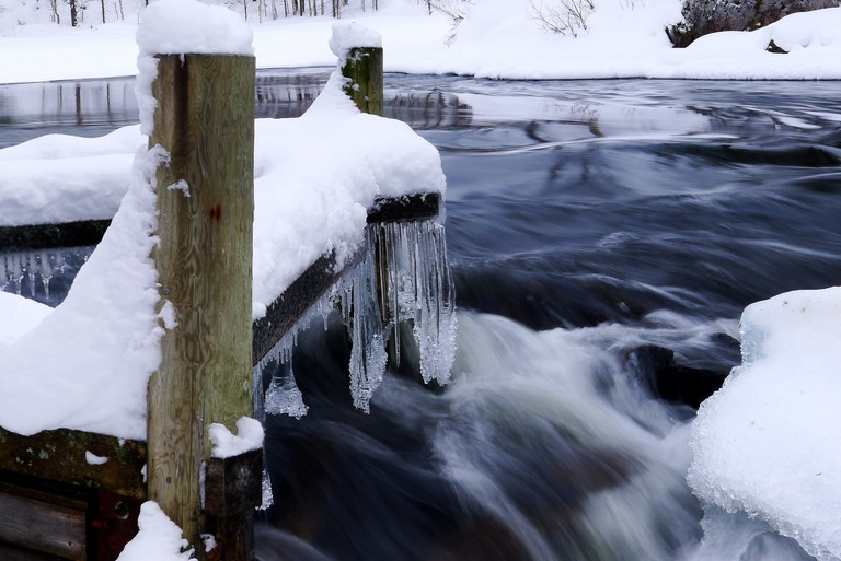 Frozen jetty at Oulanka / Timo Newton-Syms / Flickr