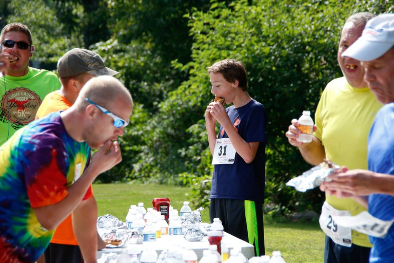 2016 Dine & Dash Burgers & Trail Race | © Blue Mountain Wildlife Incorporated