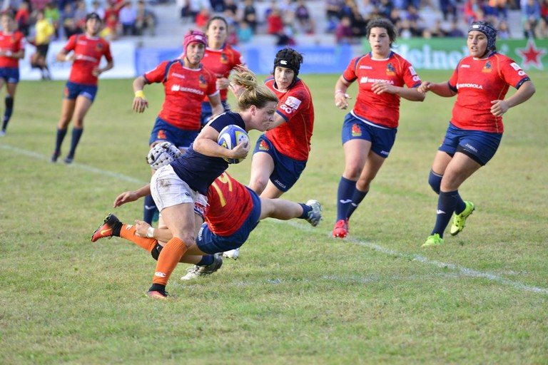 Netherlands go on the attack against Spain in the final of the Rugby Europe Women's Championship. By winning, Spain qualified to compete in Ireland this summer