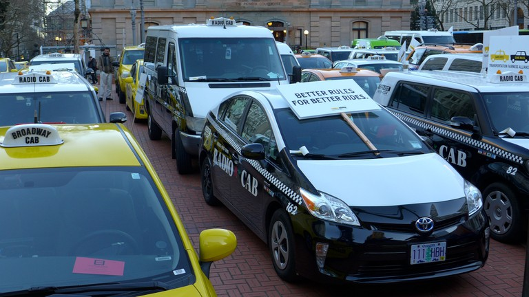 Portland taxi drivers at a 2015 protest / Aaron Parecki / Flickr