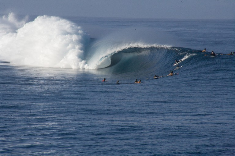 Teahupo'o surfing
