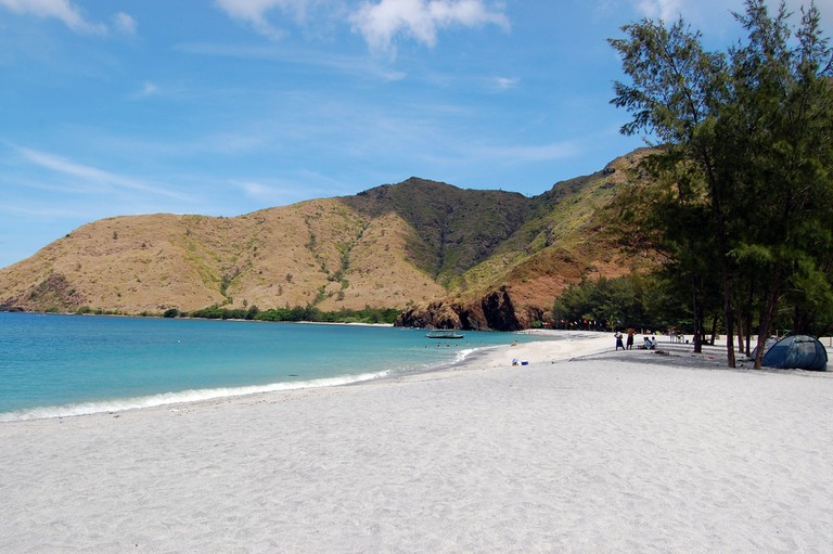 Anawangin Cove, Zambales   © Dahon / Flickr