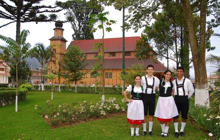 Pozuzans in traditional German dress