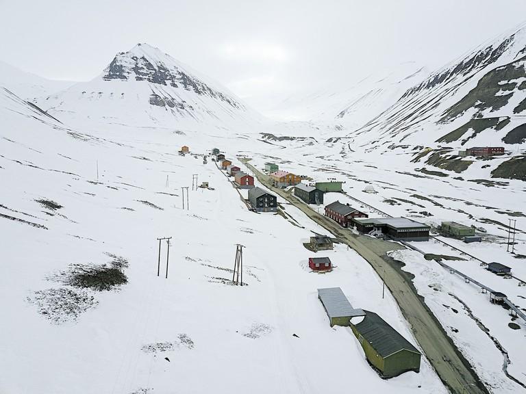 Street in Longyearbyen / Christopher Michel / Flickr