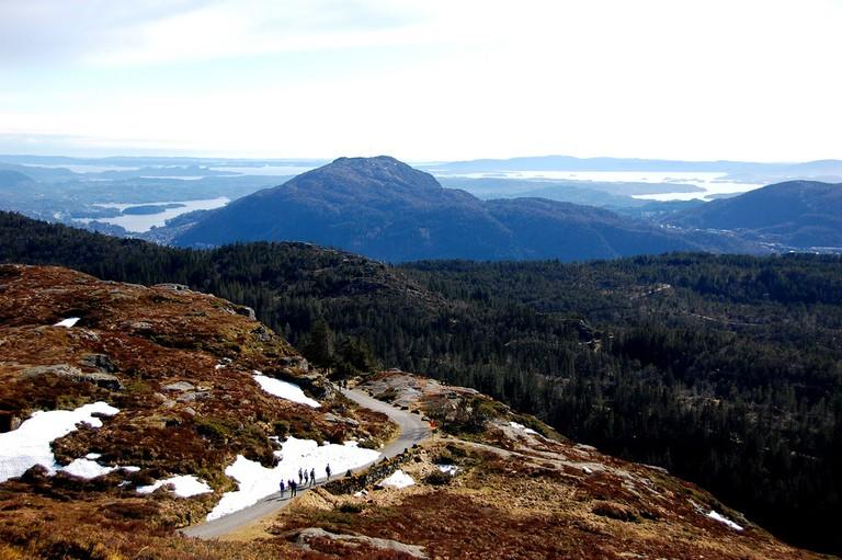 Hike from Mount Fløyen to Mount Blåmannen