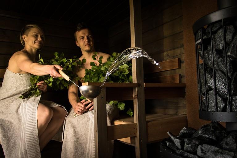 Couple using a sauna / Visit Lakeland / Flickr