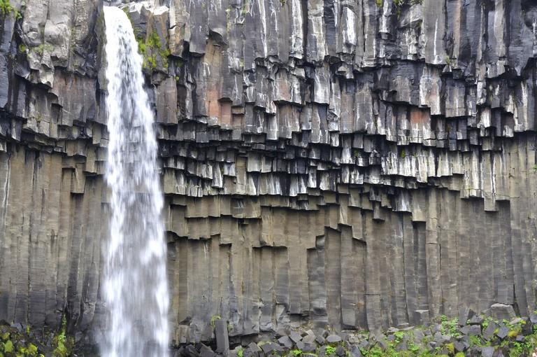 The formation at Skaftafell waterfall / Johan Wieland / Flickr