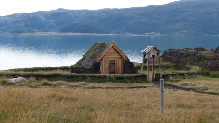reproduction of brattahlíð viking church