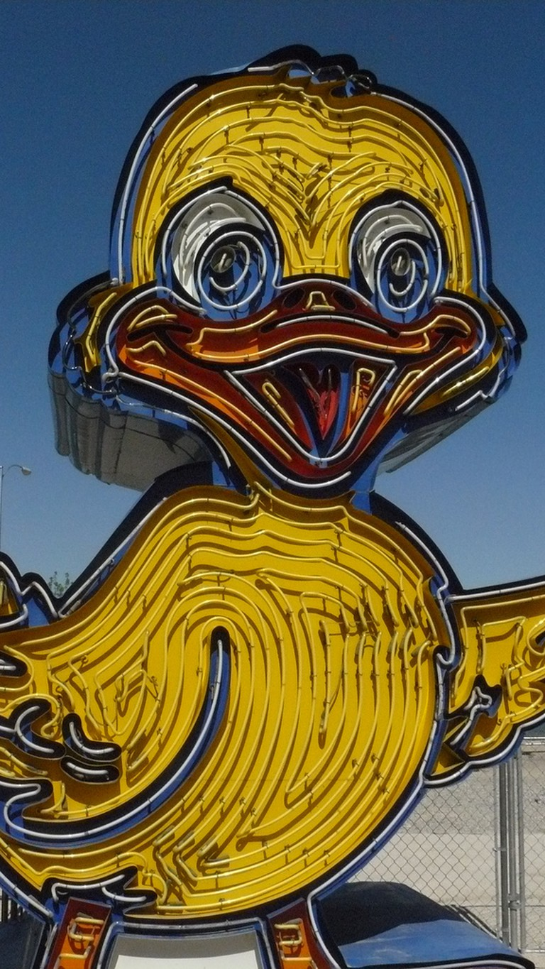 The Ugly Ducking Car Sales duck inside the Neon Museum. | © Julie Mac/Flickr