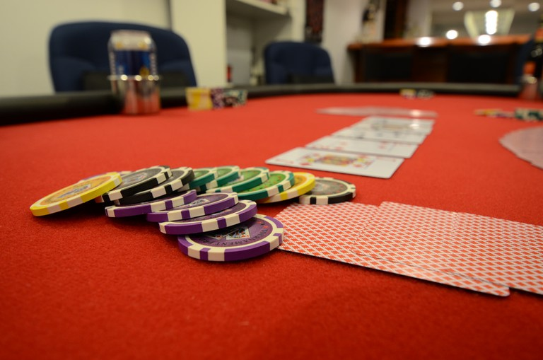 Don't gamble more than you can afford. | © Slgckgc/Flickr