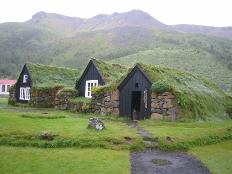 Traditional Iceland Buildings | © worldislandinfo.com/Flickr