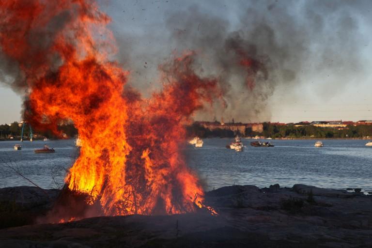The Seurasaari bonfire overlooking the bay / Ninara / Flickr