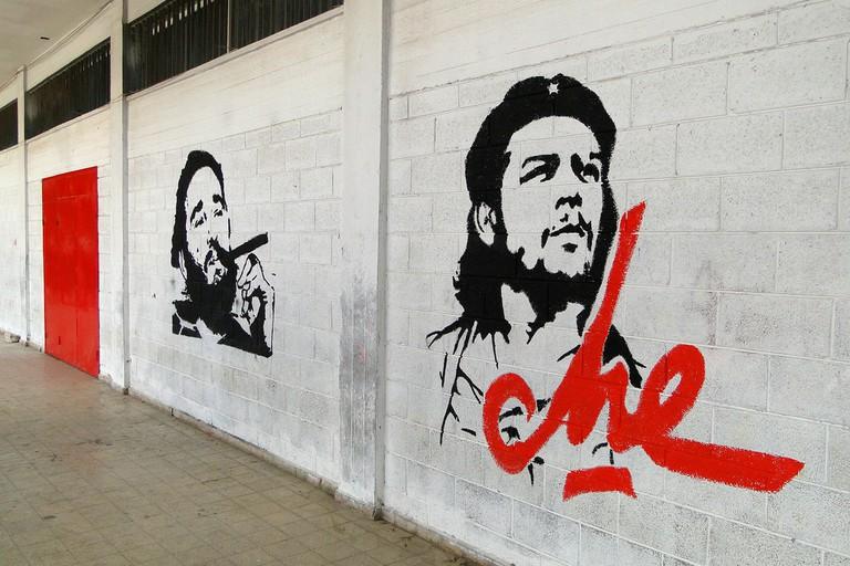 Fidel Castro and Che Guevara mural