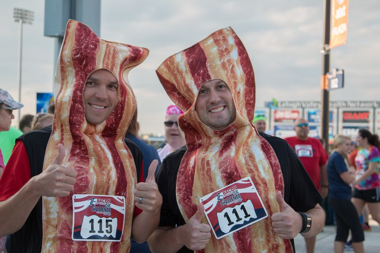 Bacon enthusiasts at the Bacon 5K Challenge in Allentown, Pa. | © Bacon 5K Challenge