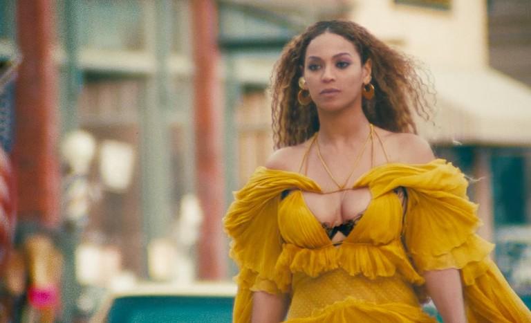 Beyoncé in Roberto Cavalli