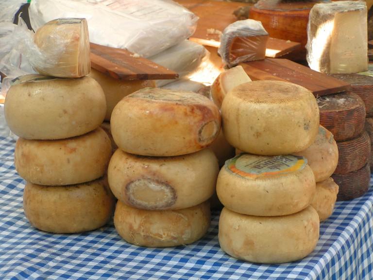 Cheeses at market©Vincent Valvona/Flickr