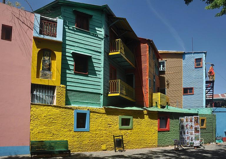 Colorful neighborhoods