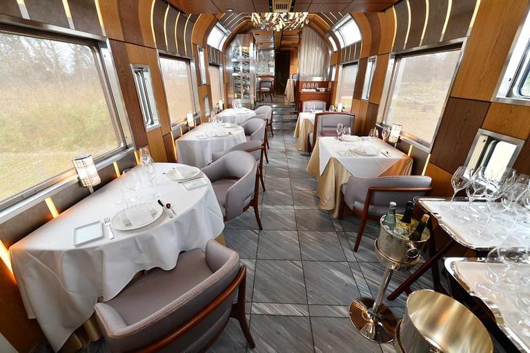 Fine dining car