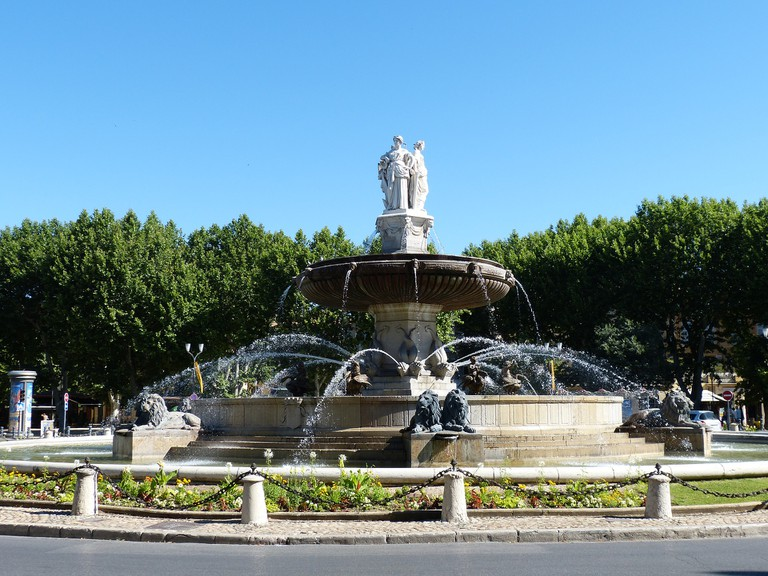 La Rotonde is the famous roundabout at the bottom of the Cours Mirabeau and a traditional meeting place for friends