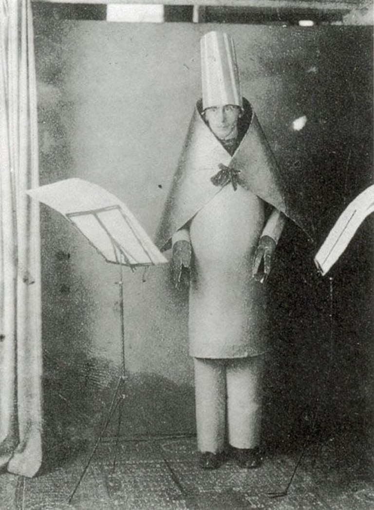 "Hugo Ball reading ""Karawane"" at the Cabaret Voltaire in 1916"