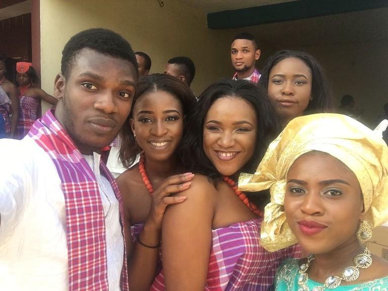 A wedding party. / HMUNACHI / Wikimedia   https://upload.wikimedia.org/wikipedia/commons/4/45/Igbo_Traditional_wedding_ceremony.jpg