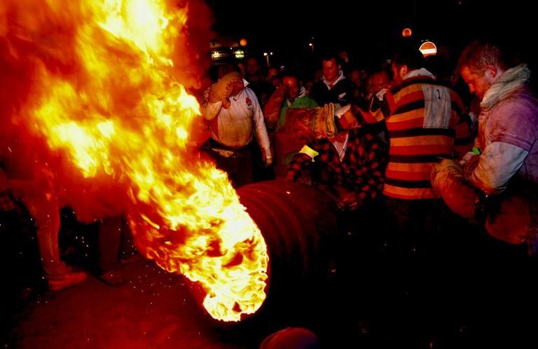 Flaming Tar Barrels