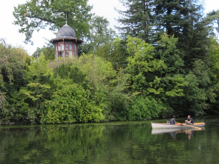Rowing on Lac Daumesnil │© Pergl Pergl / Wikimedia Commons