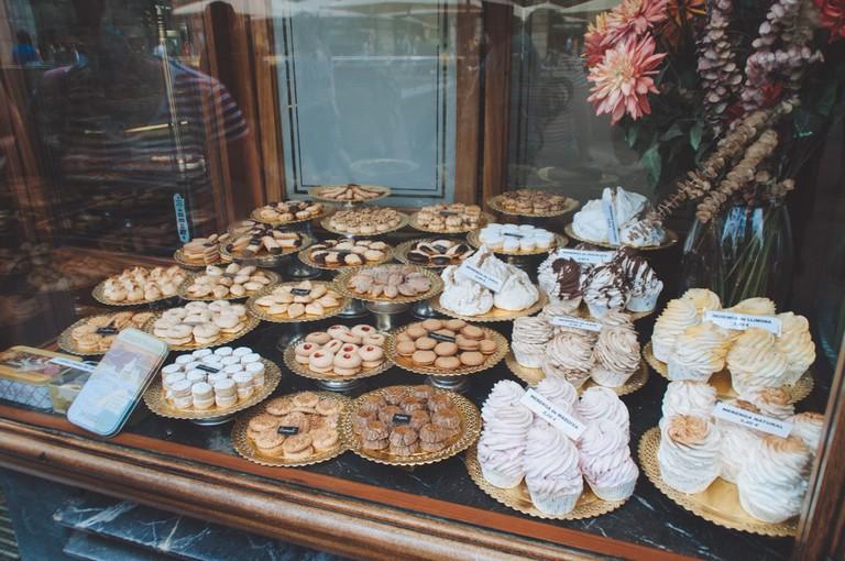 Cakes and Treats in the Gothic Quarter of Barcelona | Michael & Tara Castillo / © Culture Trip