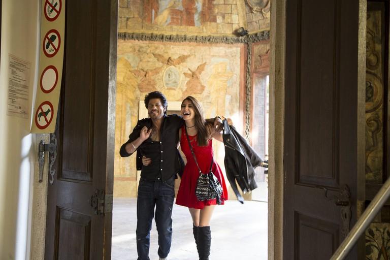 Shah Rukh Khan and Anushka Sharma in 'Jab Harry Met Sejal'