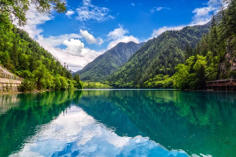 https://www.shutterstock.com/image-photo/jiuzhaigou-national-park-reserve-calm-blue-574621918?src=Ei4MZet32sqylrATUnENrA-1-8
