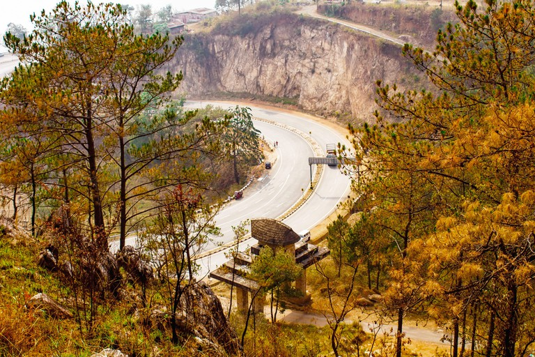 The winding road that leads to Cherrapunji