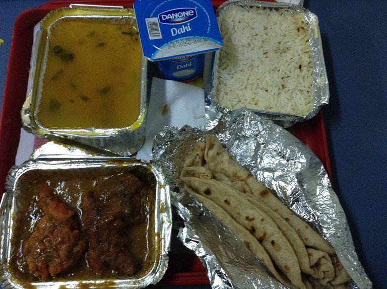 Indian Railway Meal | © AbhiSuryawanshi / Wikimedia Commons