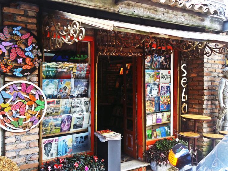 Second-hand store, O Velhão