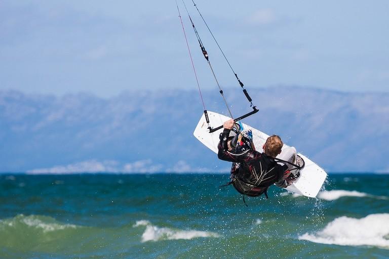Kitesurfing   Pixabay