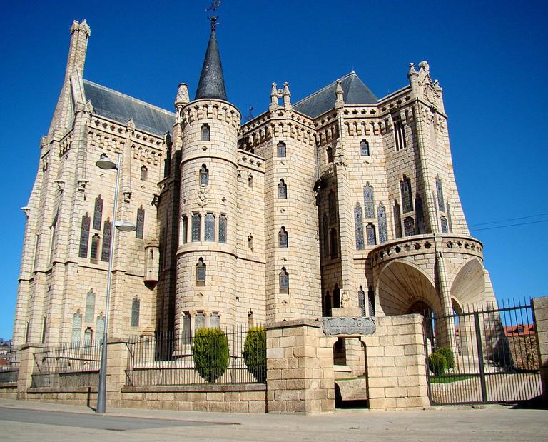 Episcopal Palace of Astorga | ©Bjørn Christian Tørrissen / Wikimedia Commons