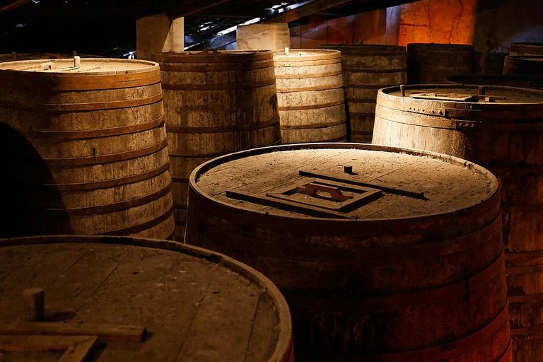 Wooden barrels of cachaca  © Eric Gaba/WikiCommons