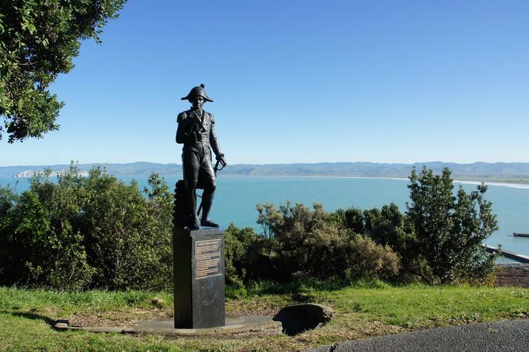 James Cook Statue on Titirangi/Kaiti Hill