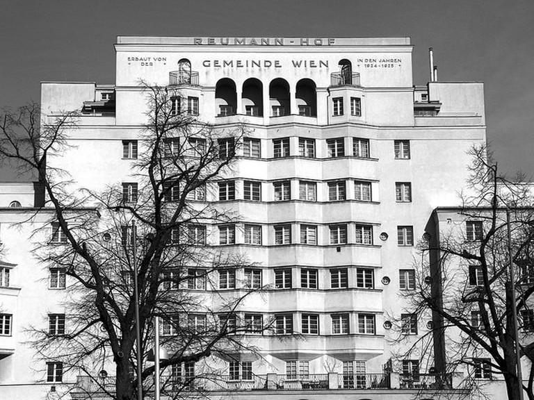 The facade of the Reumannhof