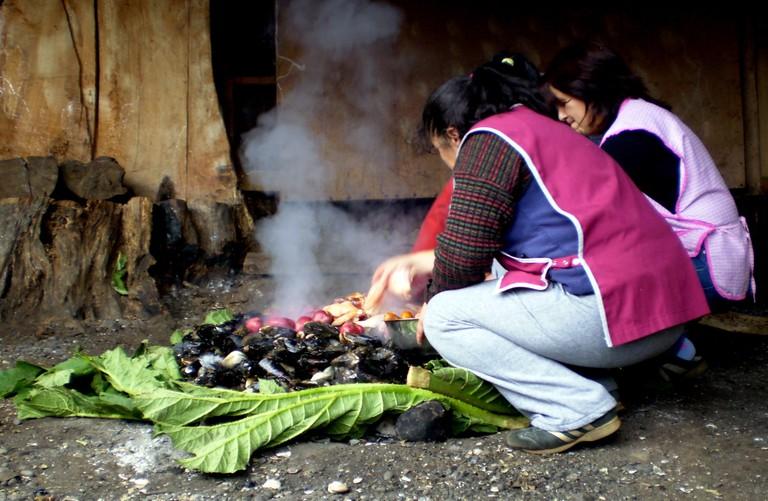 Cooking curanto