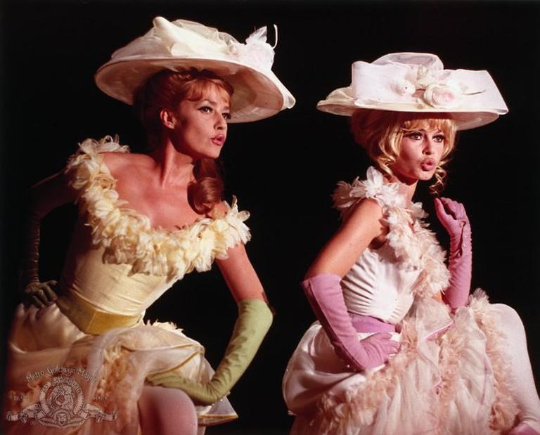 Moreau (left) and Brigitte Bardot in 'Viva Maria!'   © United Artists