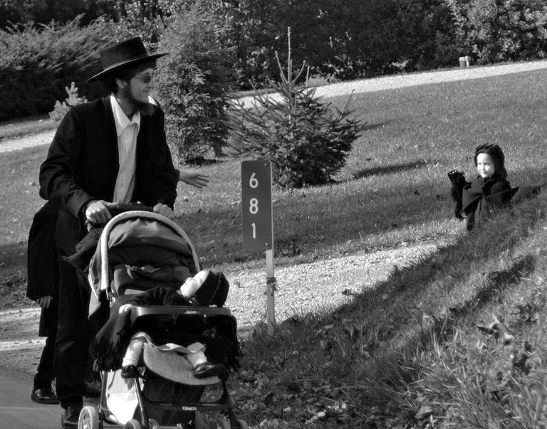 An Amish family man